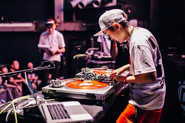 DJ_rena_600