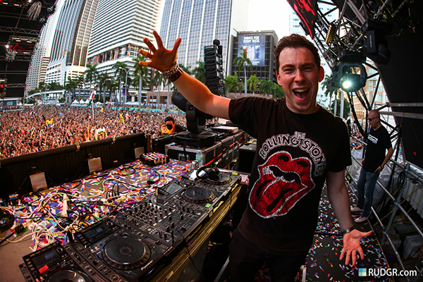 Dj mags top 100 djs of 2014 dutch superstar hardwell has won dj mags controversial top 100 poll for the second year in a row the 26 year old beat out martin garrix who took fourth altavistaventures Image collections