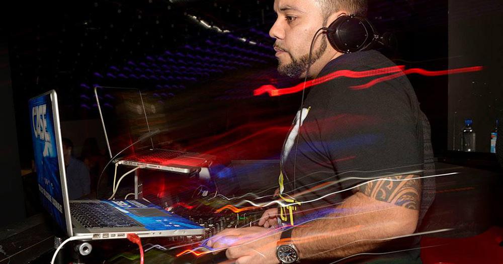 Boston's DJ CASE Drops 'Friday Fix' Mix