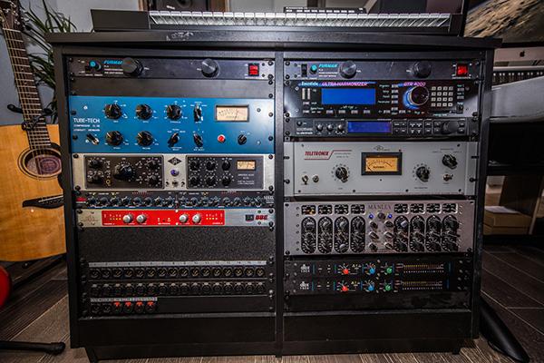 Recording rack
