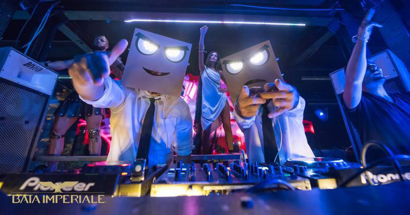 history of electronic dance music Electronic dance music, also known as edm (we at poached magma are not exactly big fans of that acronym), has in recent years, taken over commercial music by storm.