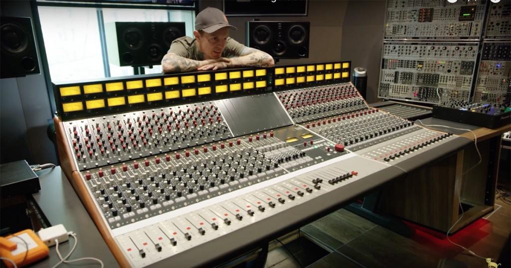 Take A Look Inside Deadmau5 S Home Studio